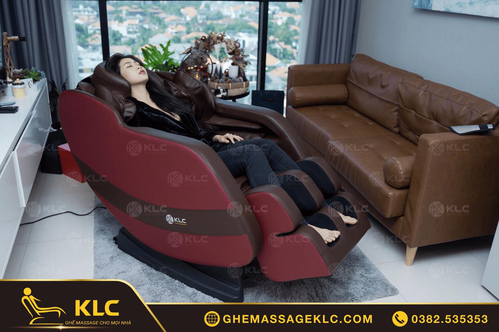 MC Liêu Hà Trinh đã tin tưởng lựa chọn ghế massage KLC cho gia đình sử dụng