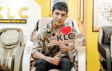 """""""Bi Long đại ca"""" – Steven Nguyễn gục ngã trước siêu phẩm ghế massage KLC K889"""