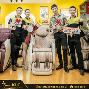 """""""Bi Long đại ca"""" - Steven Nguyễn gục ngã trước siêu phẩm ghế massage KLC K889"""