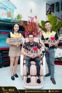 2ca si nguyen hung paris by night rinh ngay sieu pham KLC K889 danh tang vo Ghế massage KLC