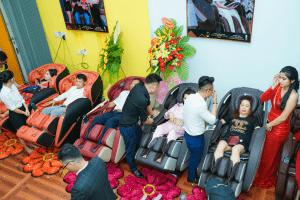 3su kien khau truong showroom ghe massage chinh hang klc dong thap Ghế massage KLC