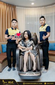 3diva thanh lam bi cuon hut boi chiec phi thuyen klc k9999 Ghế massage KLC