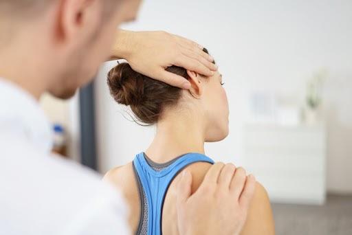 chữa trị đau mỏi vai gáy
