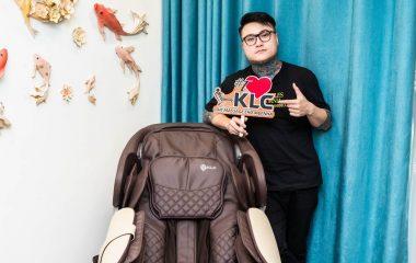 Chủ nhân bản hit Vợ tuyệt vời nhất – Vũ Duy Khánh đổ gục trước ghế massage KLC KYKYO 6688