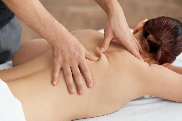cách massage lưng